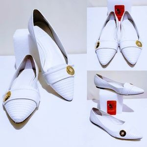 Tory Burch Shoes - Tory Burch White Point Toe Flats size 9M🦄💋